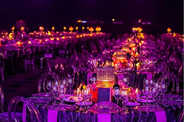 Event organisieren,Event,event organisieren schweiz,Eventagentur,hybrid event,digital event,betriebsfeier ideen,Konferenz organisieren,Messe veranstalten,Ausstellung planen,Firmenevent,webinar,productlaunch,Kunstausstellung organisieren,Vernissage,Events,Veranstaltung,Virtuelle Events,Hybride Events,Physische Events,die unterschiedlichen Eventformen,Eventformen,welche eventformen gibt es,neue eventformen,Business Konferenz,Produkt in Szene setzen,kostensparende events,internationale events,Party organisieren,Event Logistik,Event Catering,Event Technik,spektakuläre Veranstaltungsorte,Location organisieren,Eventplanung
